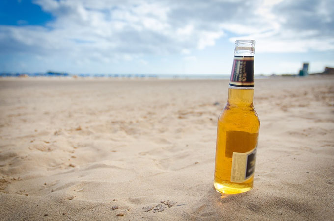 cerveza en la playa_bodecall